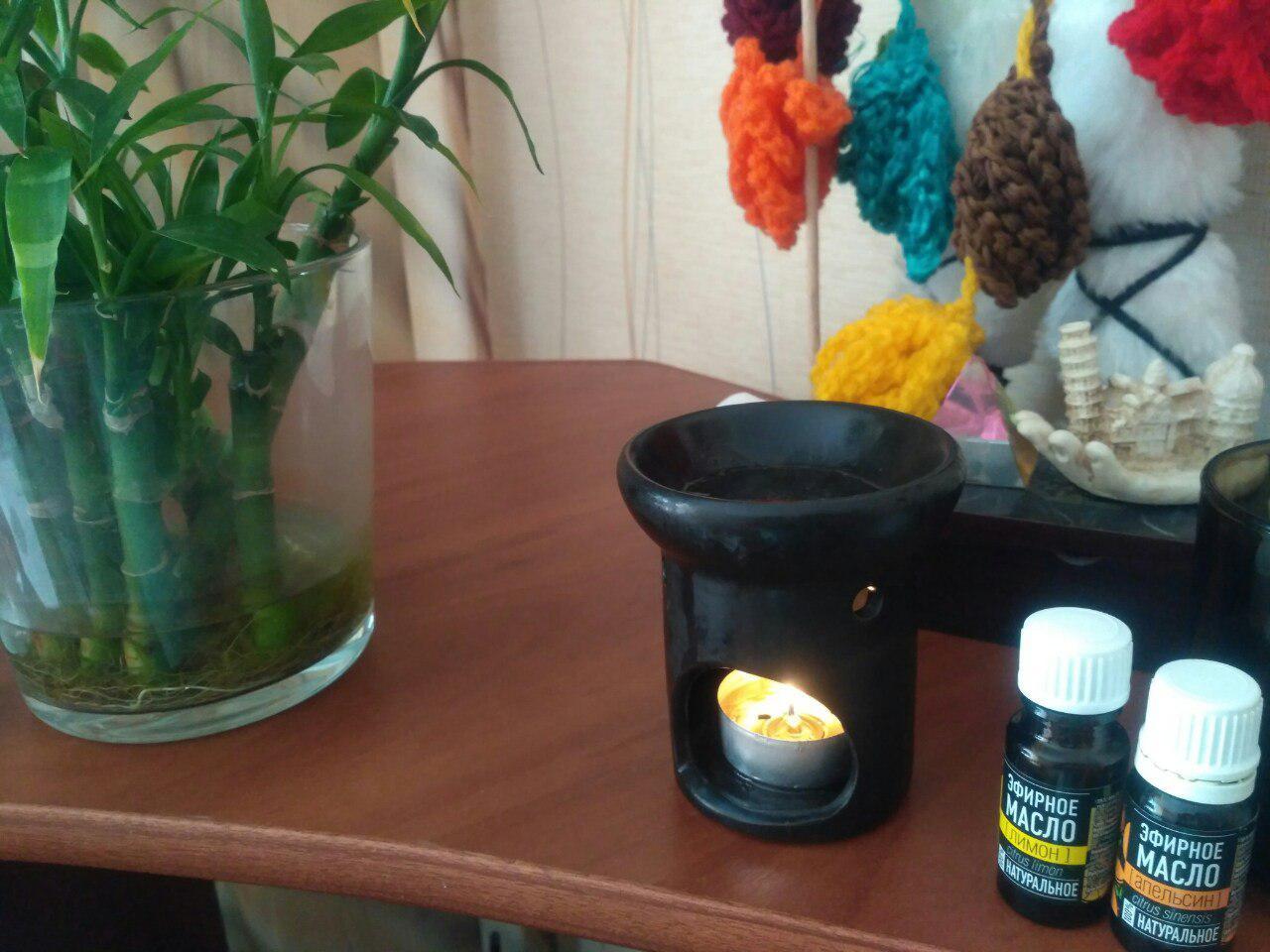 Фотография аромалампы и эфирных масел